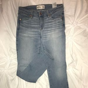 Abercrombie Light wash low rise short jeans